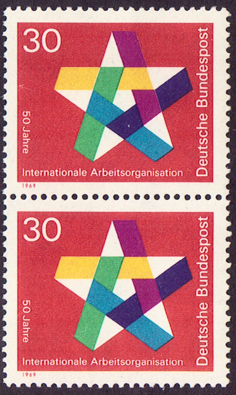 Germany Scott 0995, MNH, Pair, Five pointed Star, ILO